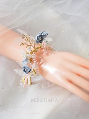 Beautiful Cloth Wrist Corsage
