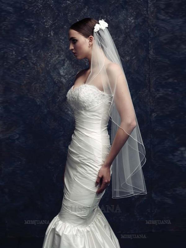 Gorgeous Flower Tulle Wedding Veils