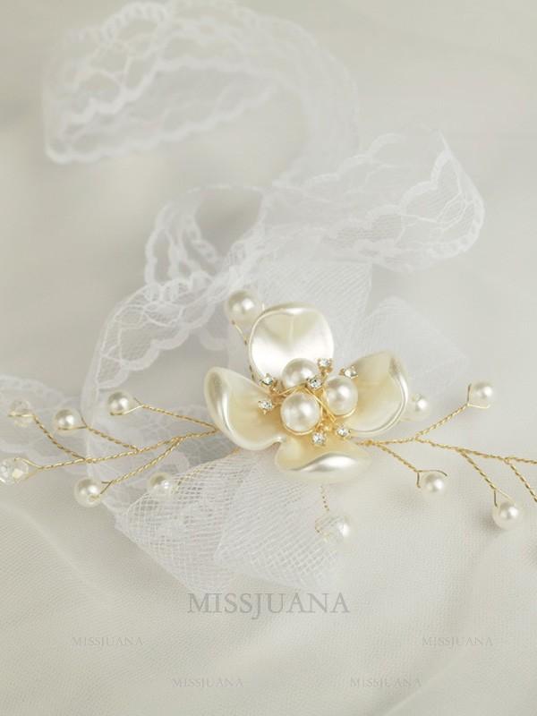 Beautiful Hand-tied Imitation Pearl Wrist Corsage